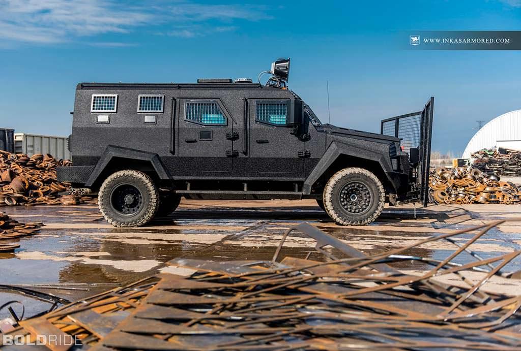 Минивэн для спецслужб Inkas Sentry MPV