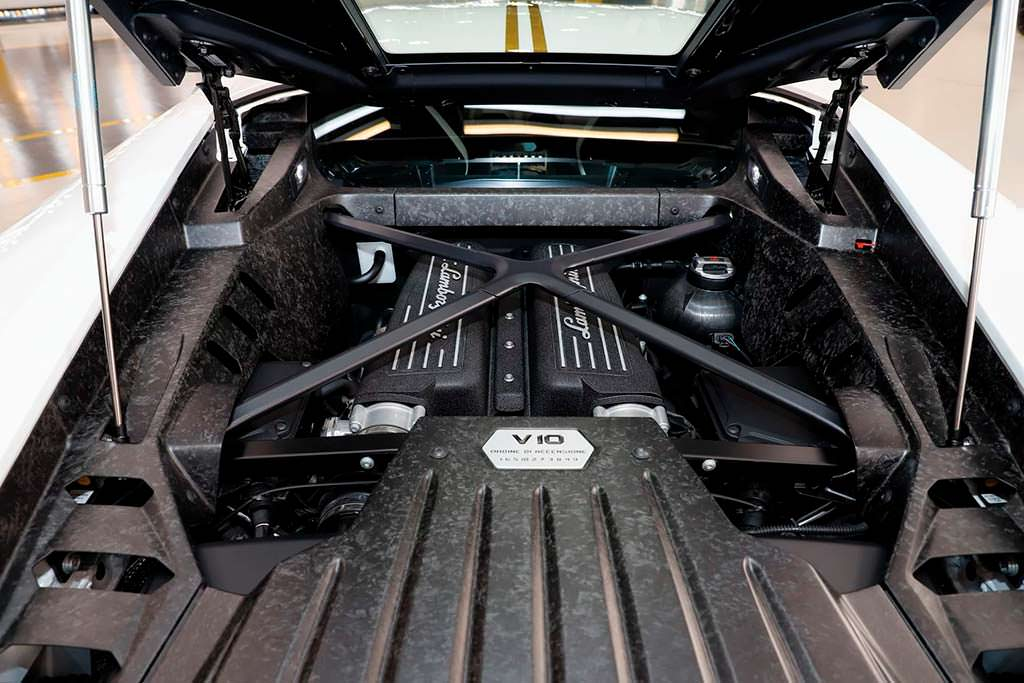 Двигатель V10 Lamborghini Huracan Папы Римского Франциска