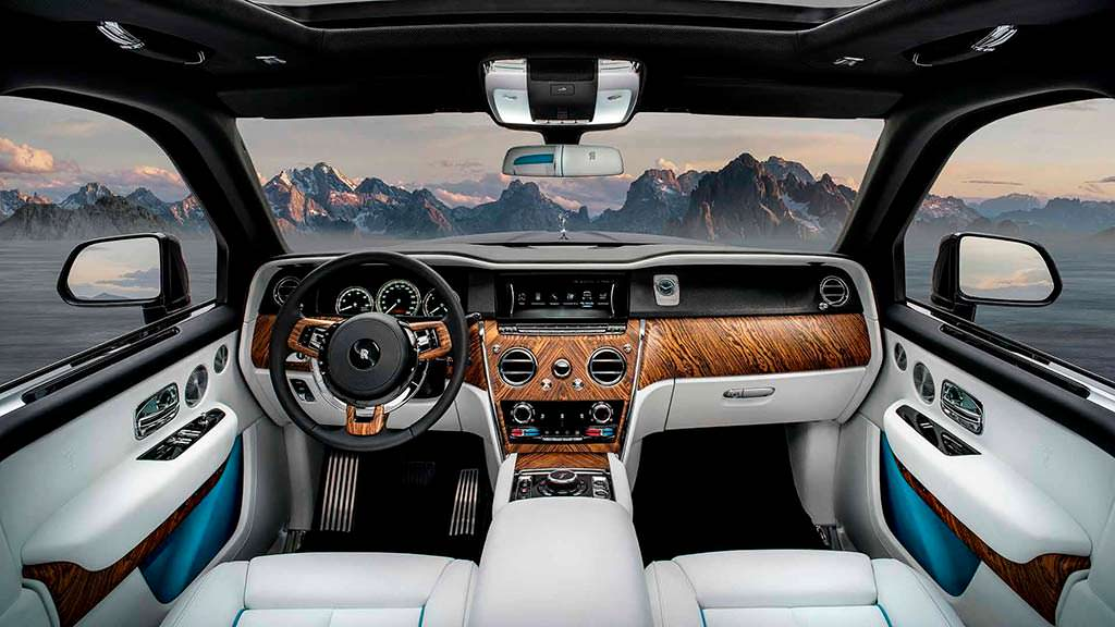 Фото салона Rolls-Royce Cullinan