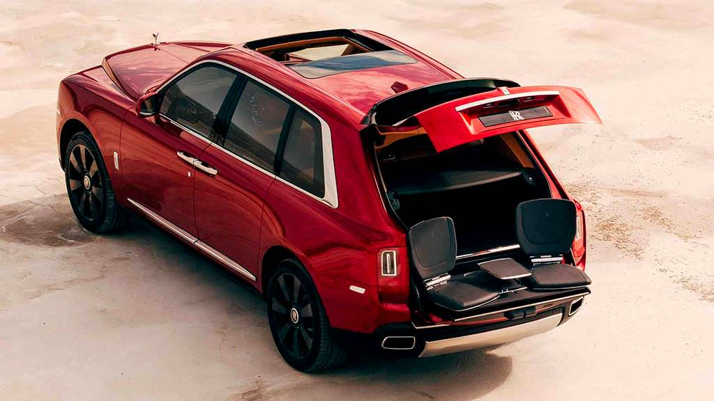 Конфигурация багажника Rolls-Royce Cullinan с сиденьями