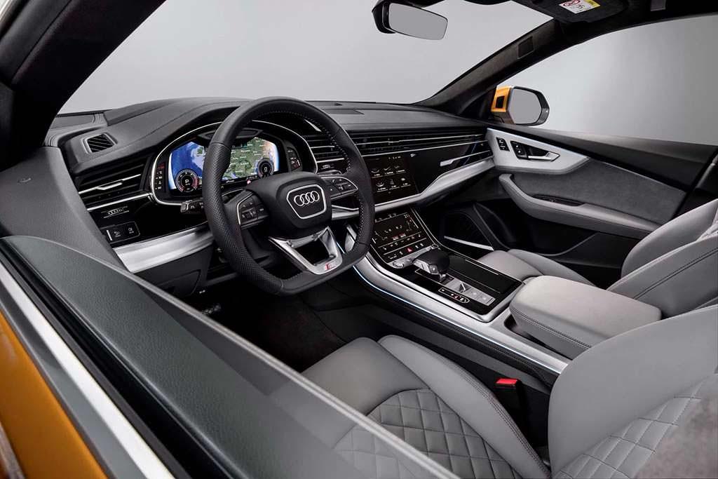 Фото салона Audi Q8