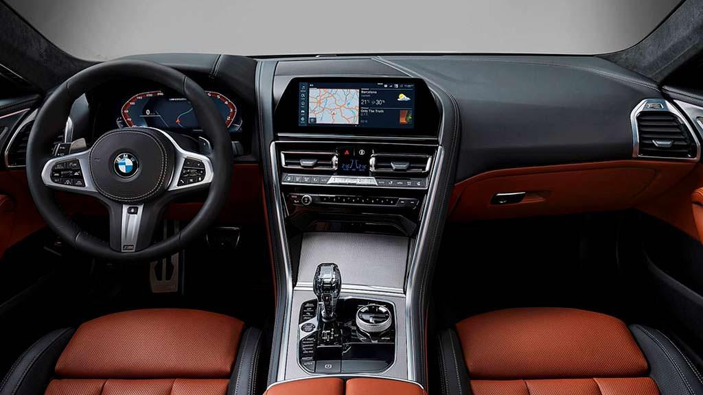 Интерьер BMW 8-Series