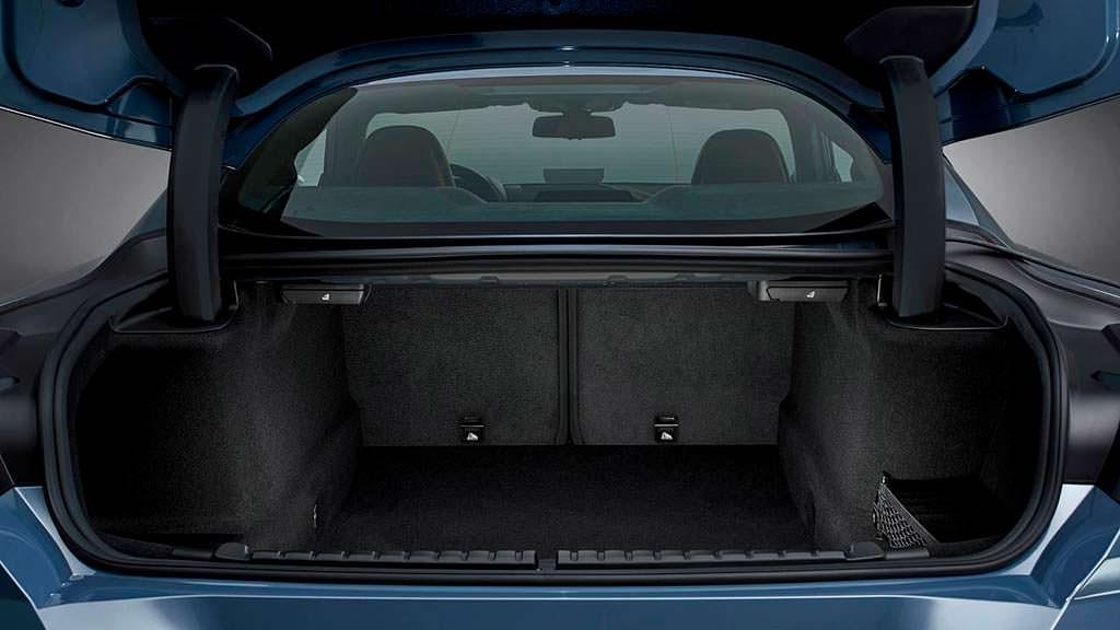 Багажник BMW 8-Series нового поколения