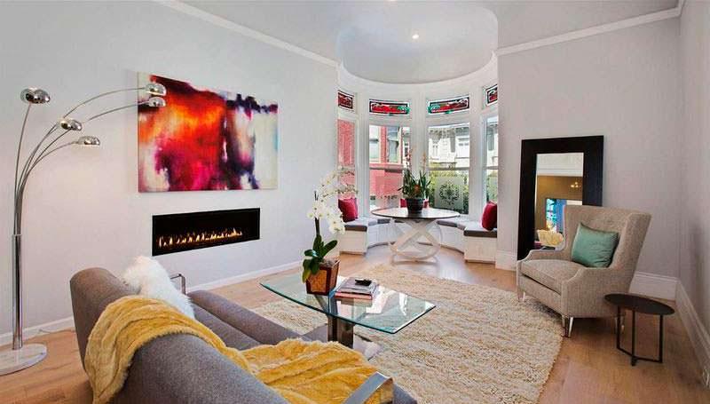 Красивый дизайн комнаты с камином
