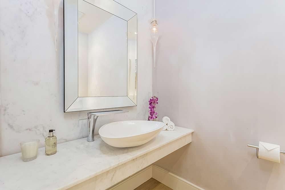Раковина-чаша в ванной комнате