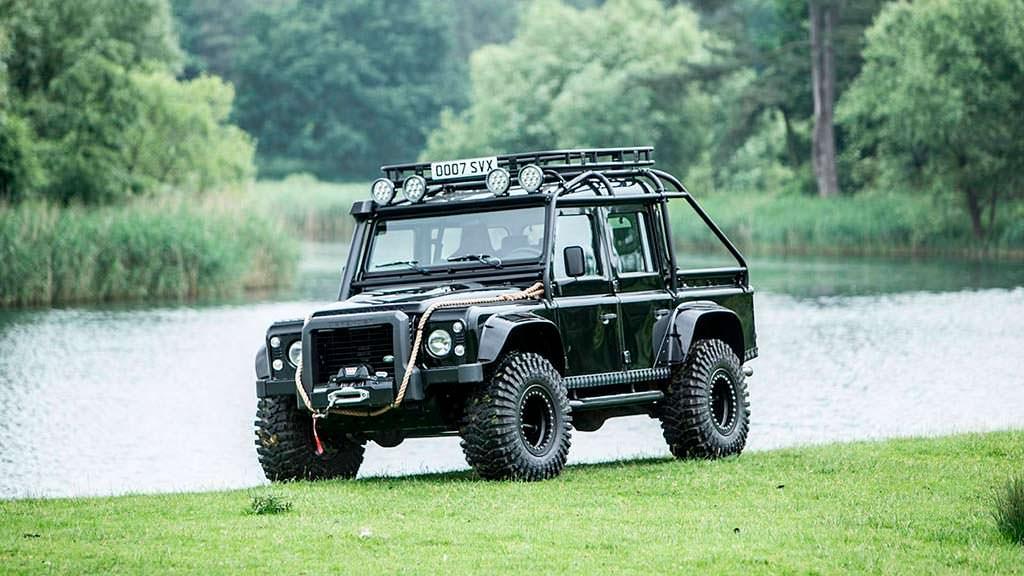 Land Rover Defender SVX из фильма «007: Спектр» 2015 года