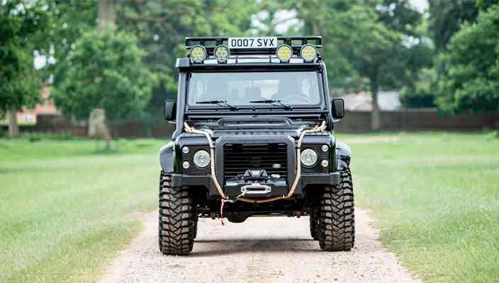 Land Rover Defender SVX Джеймса Бонда уйдет с молотка | цена