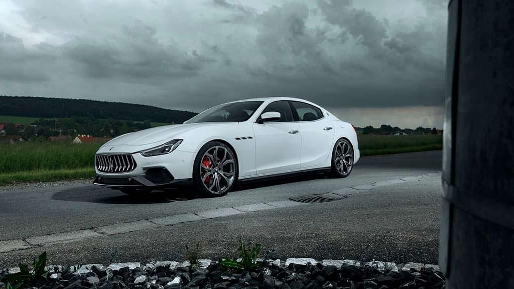 Итальянский седан Maserati Ghibli S. Тюнинг Novitec
