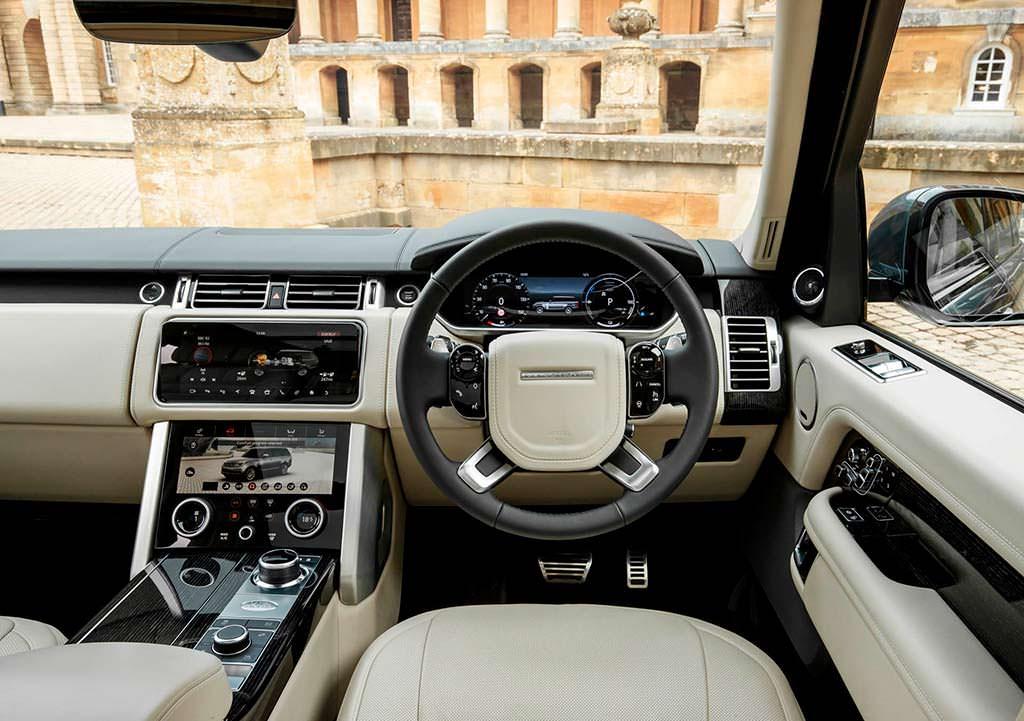 Фото салона внедорожника Range Rover 2019