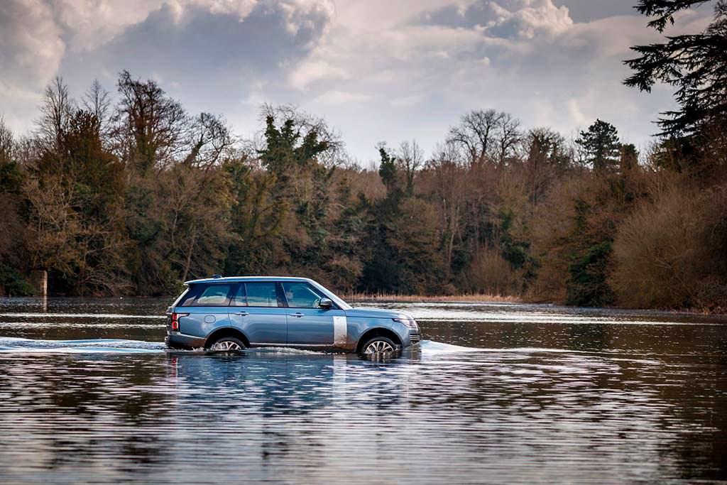 Внедорожник Range Rover 2019. Цена в Британии от £64 084