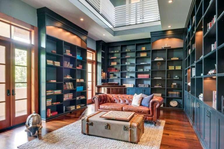 Домашняя библиотека Джея Катлера