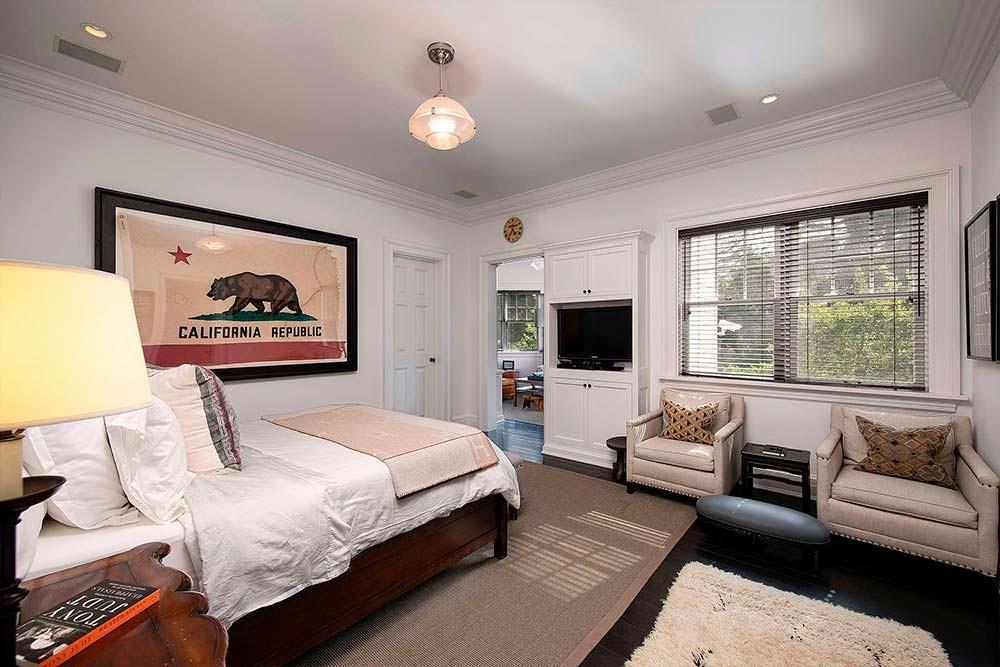Спальня в доме Роба Лоу