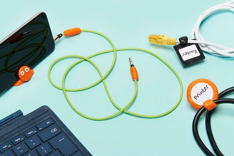 Ремонт провода наушников с помощью экопластика FixIts