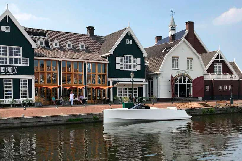 Электро-катер Q-yachts Q30 в минималистском дизайне