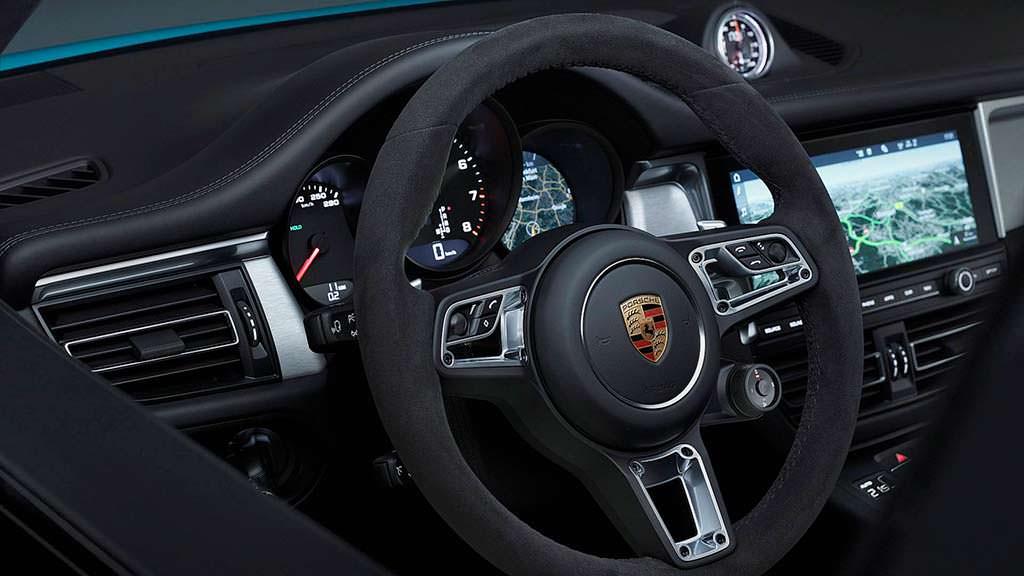 Спортивный руль Porsche Macan 2019