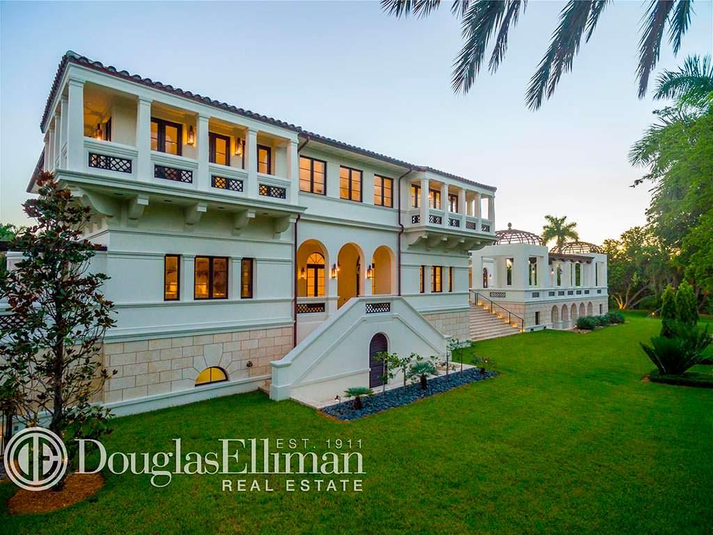 Вилла с 12 спальнями в Майами