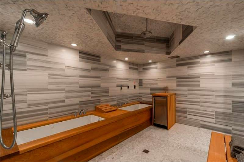10 ванных комнат в доме