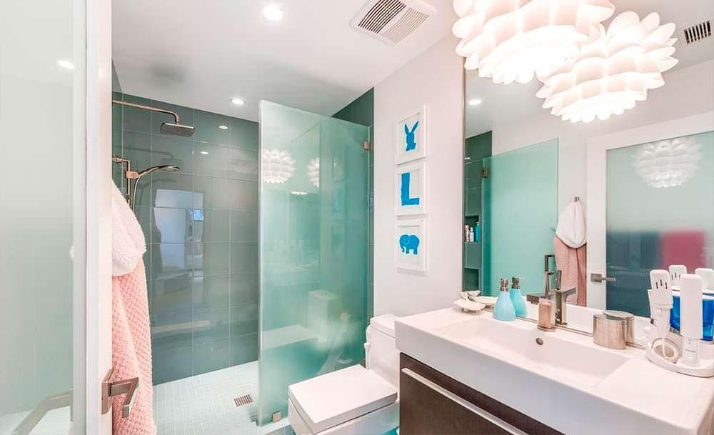 Современный дизайн ванной комнаты от Дженни Гарт
