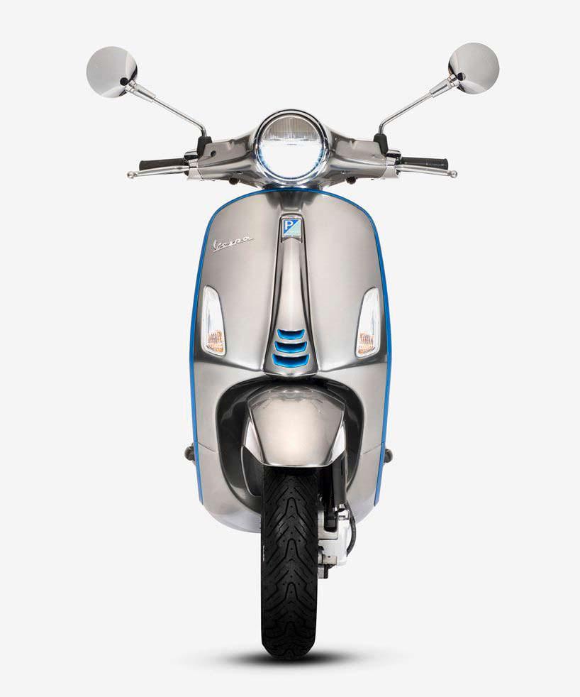 Электро-скутер Piaggio Vespa Elettrica. Мощность как у 50-кубовой модели