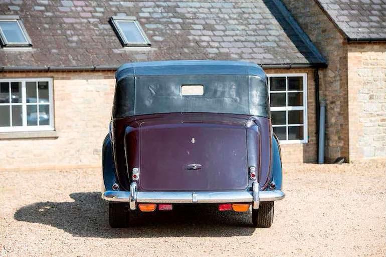 Правительственный Rolls-Royce Phantom IV State Landaulette