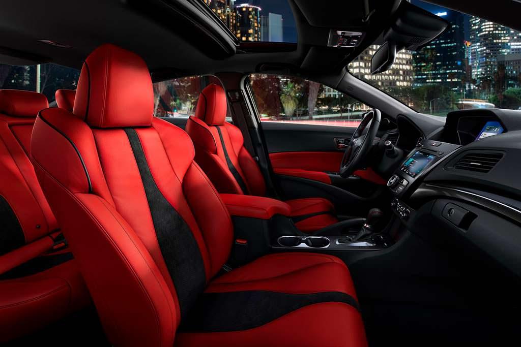 Красная кожа в салоне Acura ILX