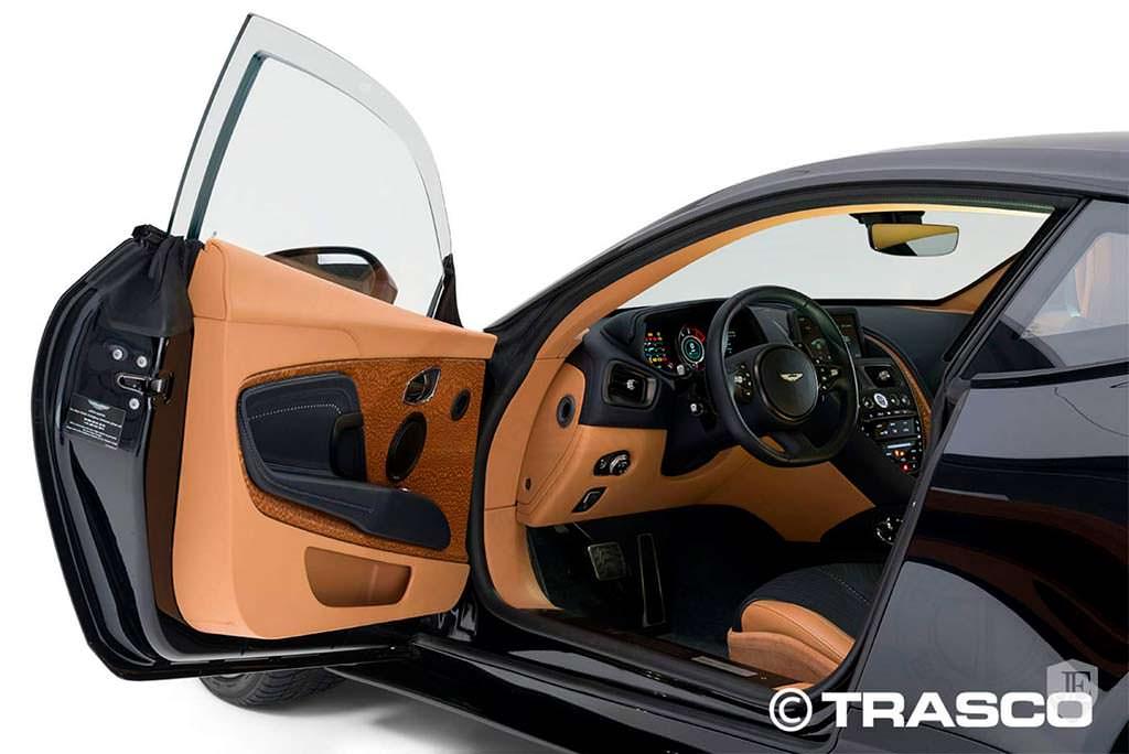 Двери бронированного Aston Martin DB11