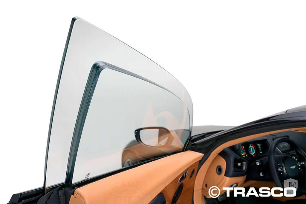 Баллистическое стекло Aston Martin DB11