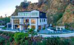 Певица Деми Ловато продает дом в Голливуде | фото и цена