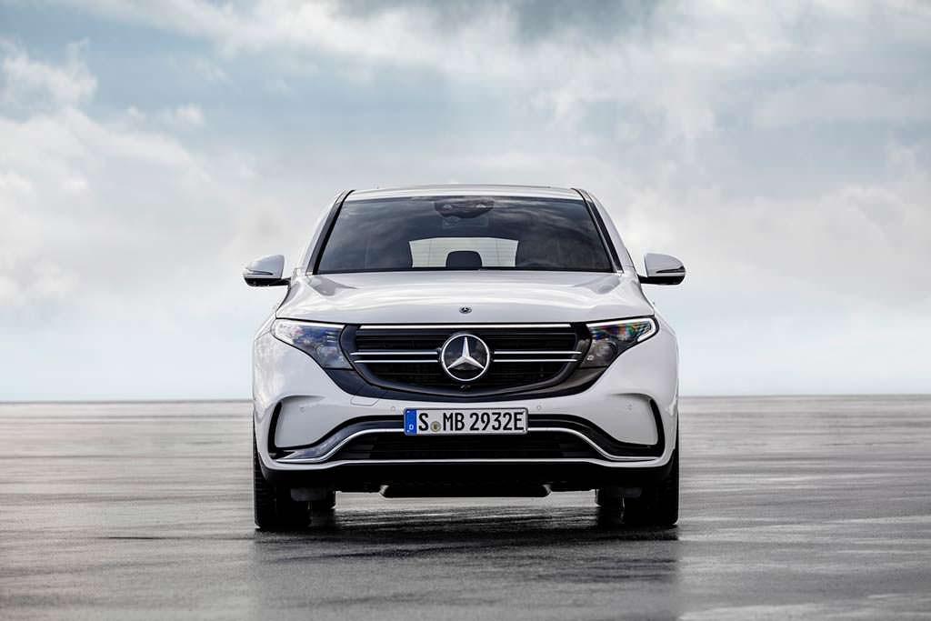 Серийный Mercedes-Benz EQC