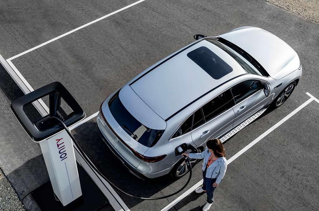 Mercedes-Benz EQC: автономность до 450 км