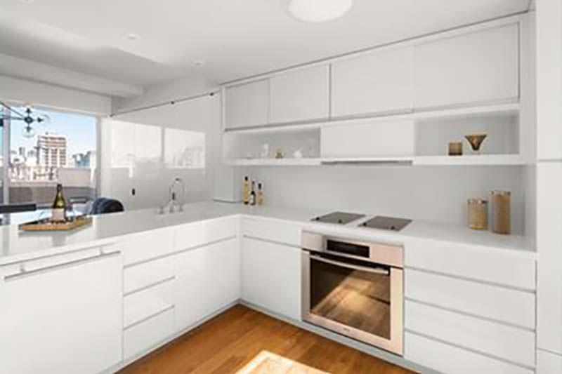 Белоснежный дизайн кухни