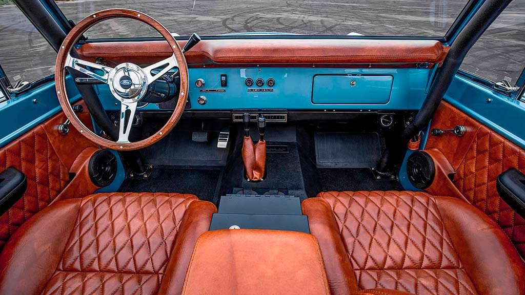 Кожаный салон Ford Bronco 1973 года выпуска
