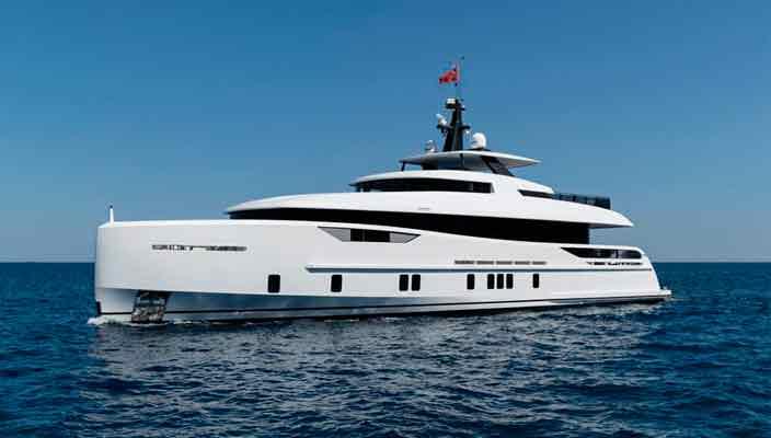 Alia Yachts сделала первую яхту органического дизайна | фото