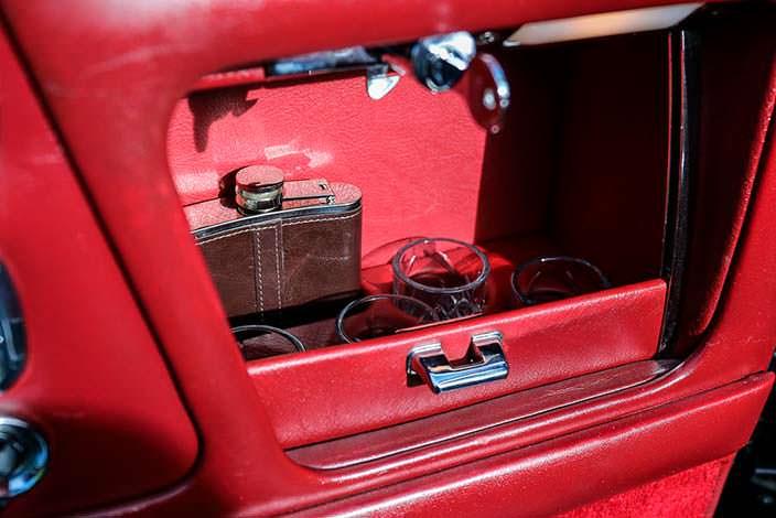 Бардачок в двери Rolls-Royce Corniche Convertible