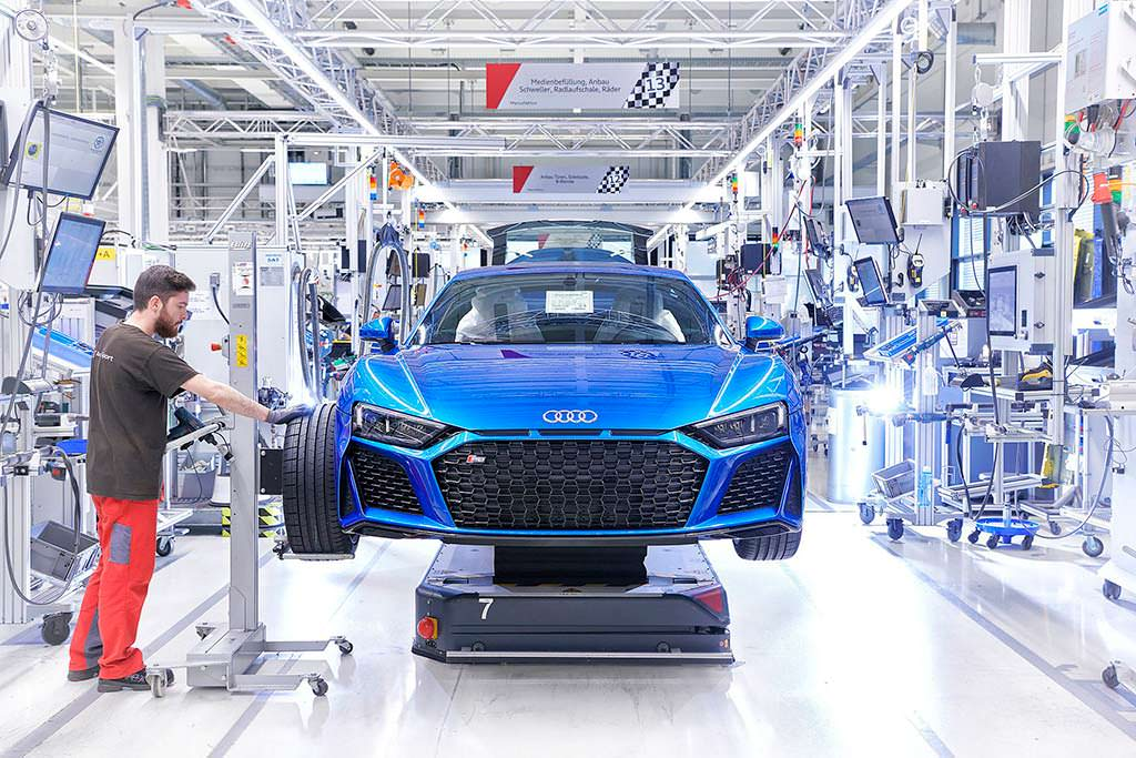 Конвейер по производству Audi R8