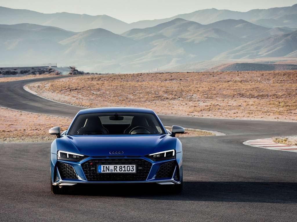 Новая Audi R8 V10