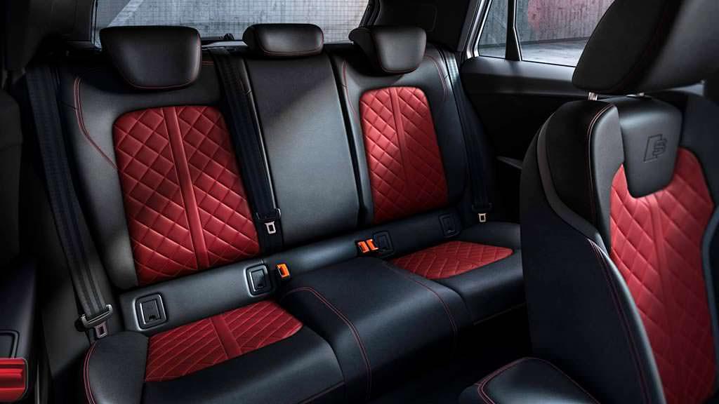 Кожаные спортивные сиденья Audi SQ2