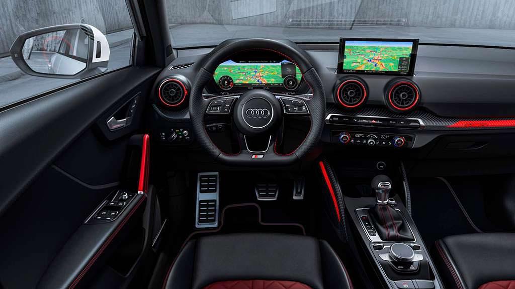 Фото салона Audi SQ2
