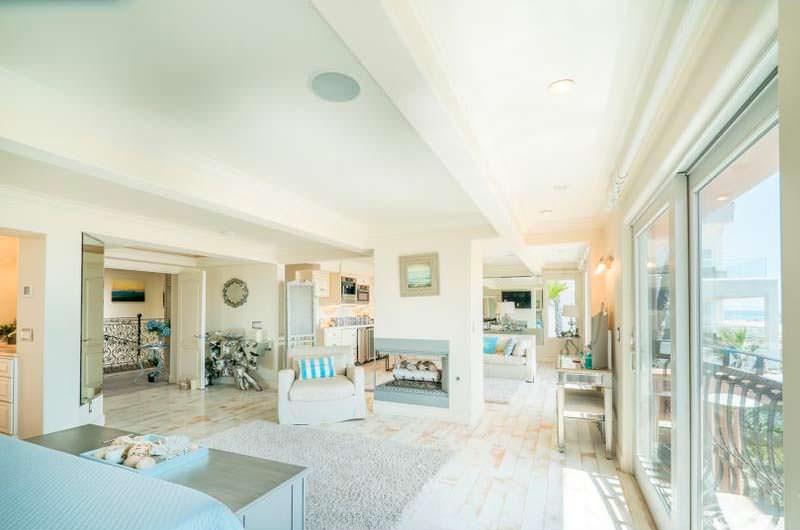 Светлый интерьер дома