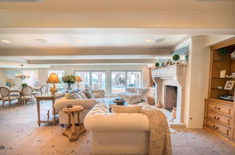 Дизайн гостиной в доме Сандры Буллок и Джесси Джеймса