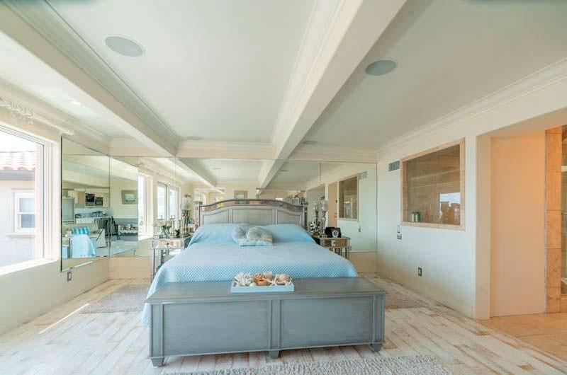 Спальня в доме Сандры Буллок и Джесси Джеймса