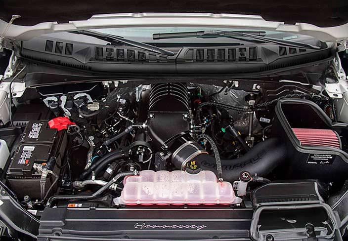 Двигатель 5,0-литра V8 от Hennessey. Мощность 758 л.с.