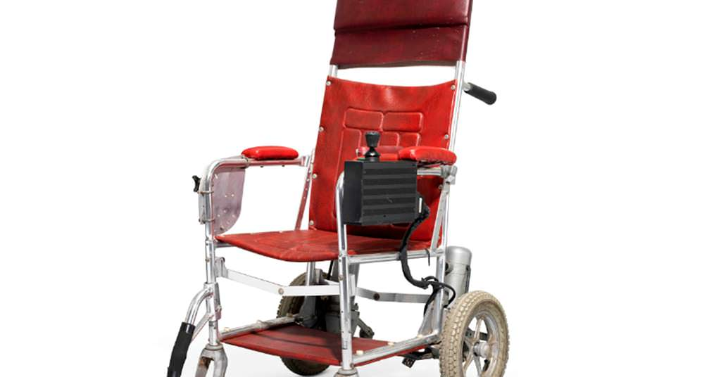 Инвалидная коляска Стивена Хокинга за $12 600 до $18 900