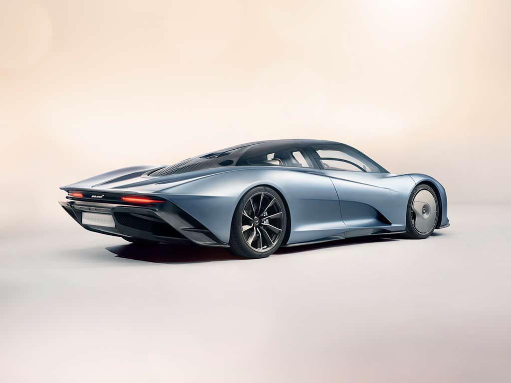 McLaren Speedtail быстрее чем Bugatti Chiron