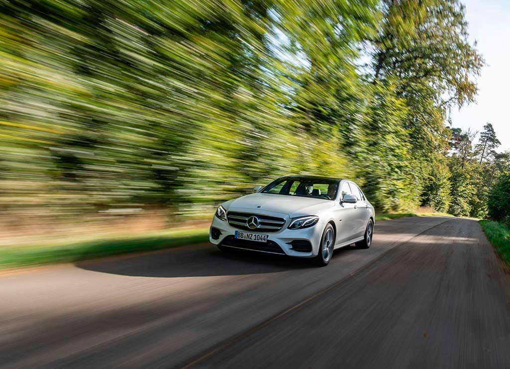 Гибридный вариант Mercedes-Benz E300de
