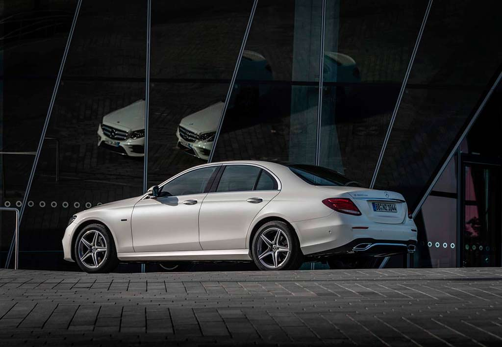 Дизель-гибрид Mercedes-Benz E300de