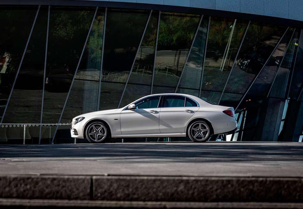 Гибрид Mercedes-Benz E300de