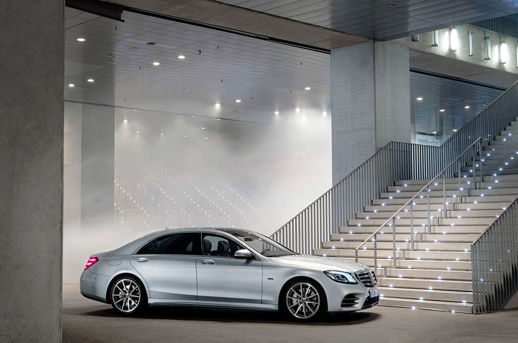 Представительский гибрид Mercedes-Benz S560e