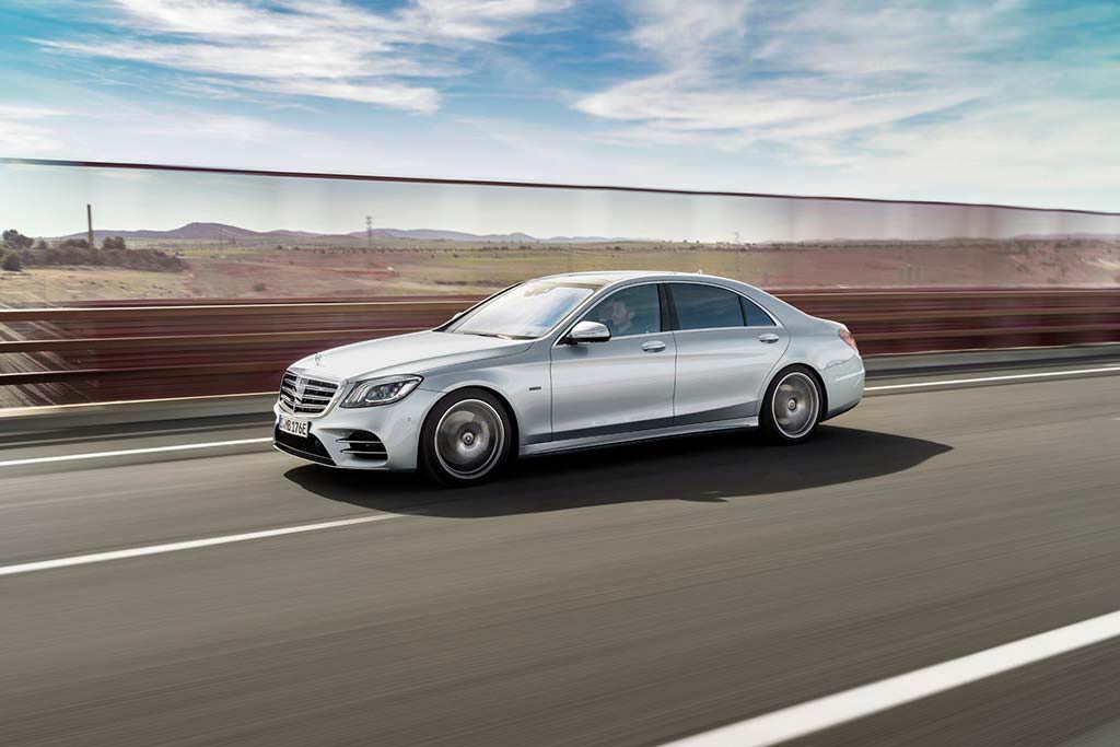 Гибридная версия Mercedes-Benz S560e