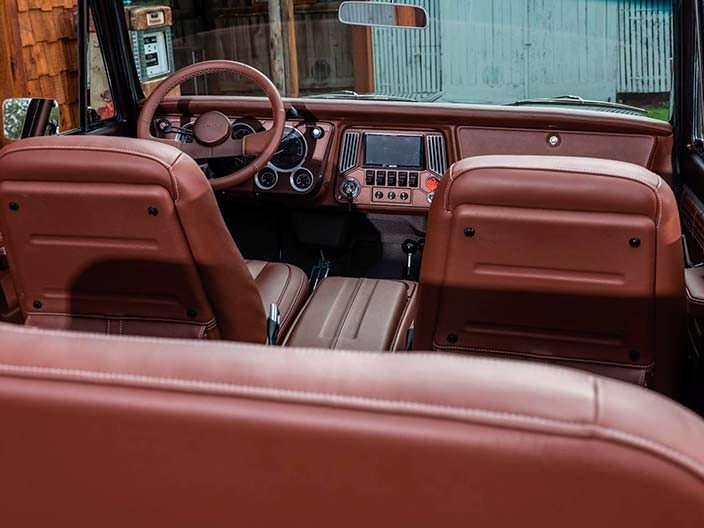 Кожаная обшивка салона Chevrolet K5 Blazer 1971 года